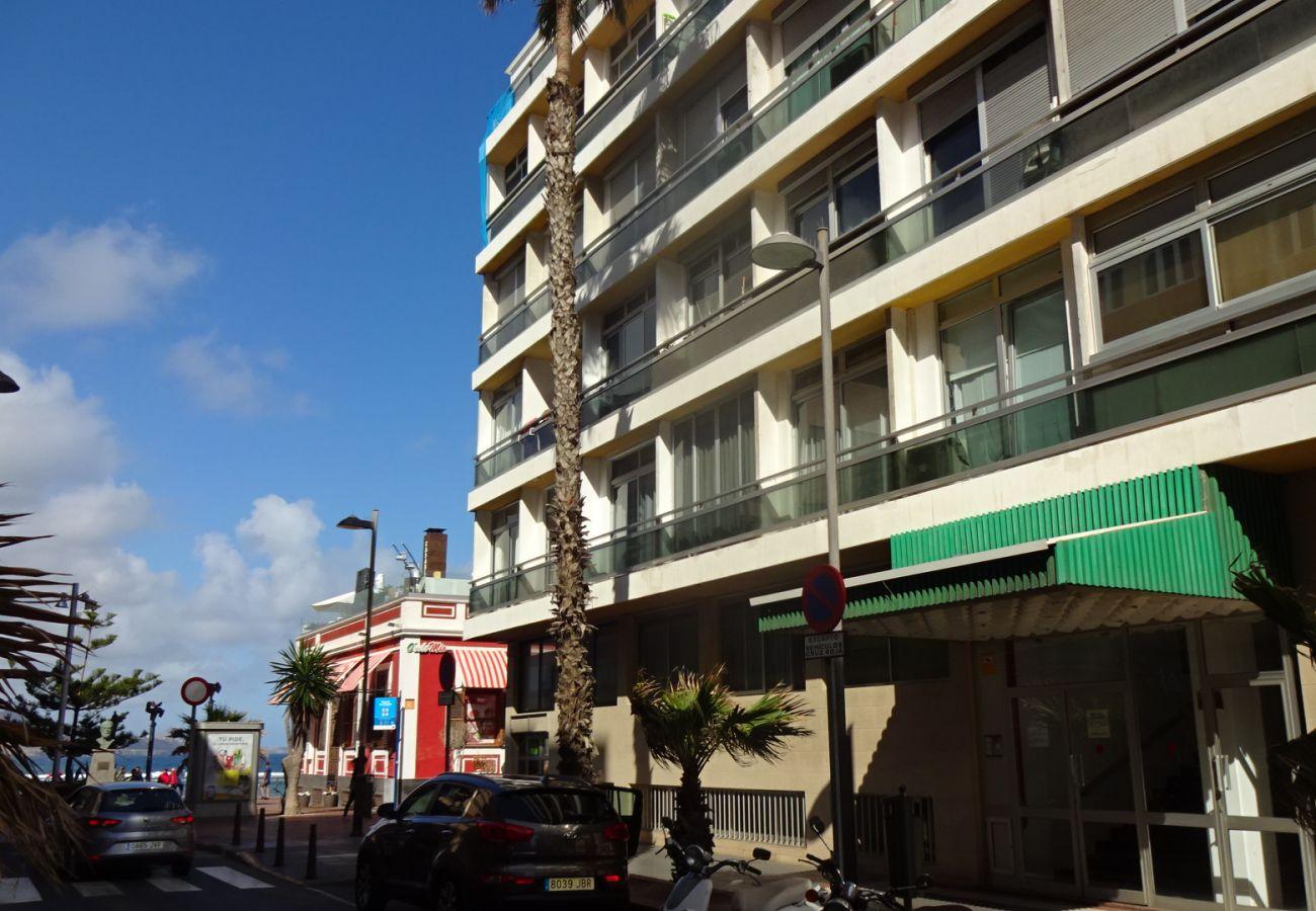 Apartment in Las Palmas de Gran Canaria - Comfortable studio right in the sea by CanariasGetaway