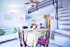Apartment in Sperlonga - this characteristic house for 6 people is ideal for living in full the sea and the traditions of the village