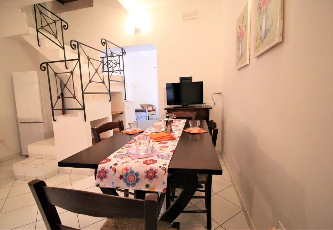Apartment in Sperlonga - the atmosphere of the historic center in a single house