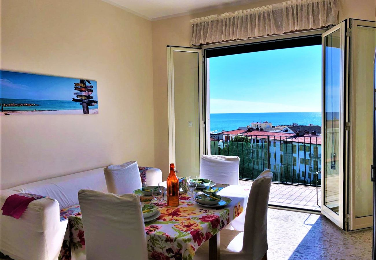 Apartment in Sperlonga - fantastic for a holiday with vistal sea