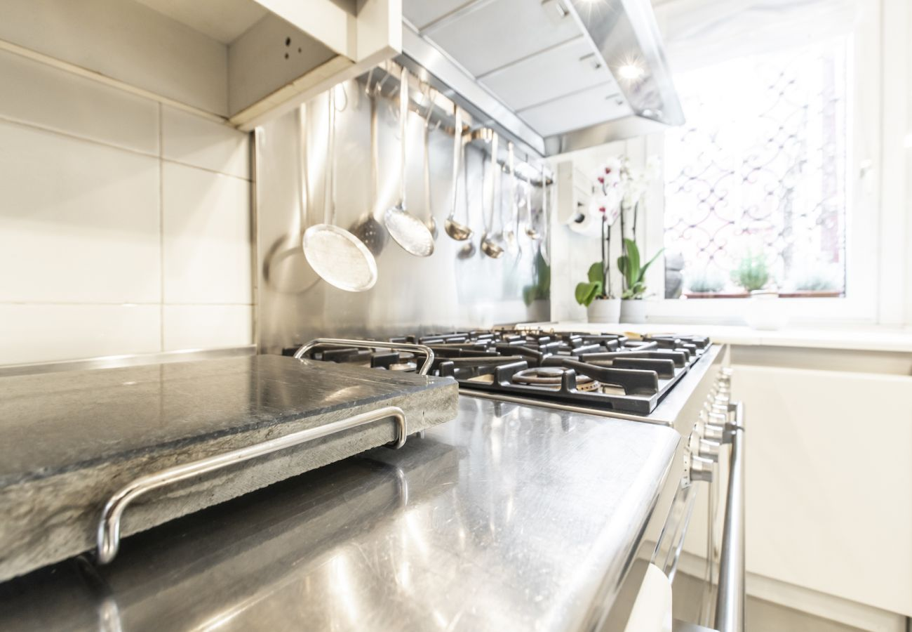 Huge kitchen equipped with everything you need