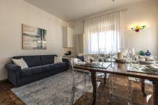 Apartment in Venice - Greci Canal View Apartment R&R